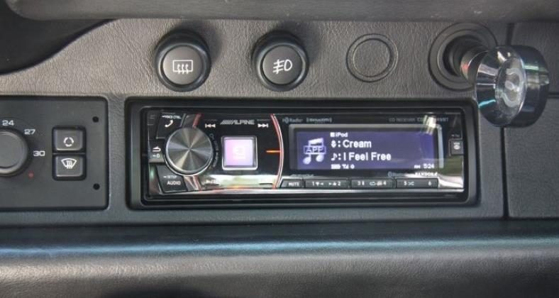 Alpine CDE-HD149BT installed in dash
