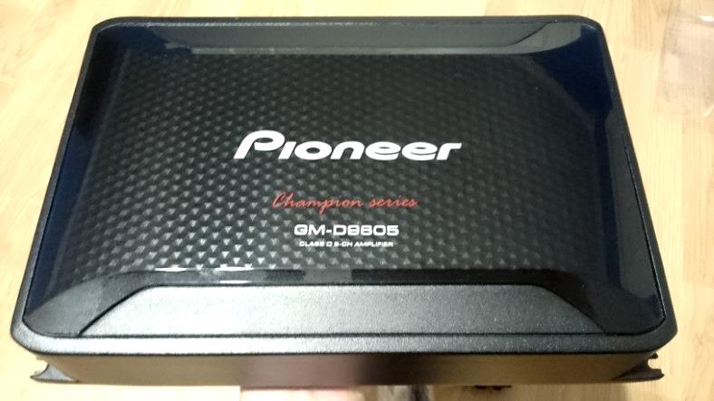 Pioneer GM-D9605 top view closeup image