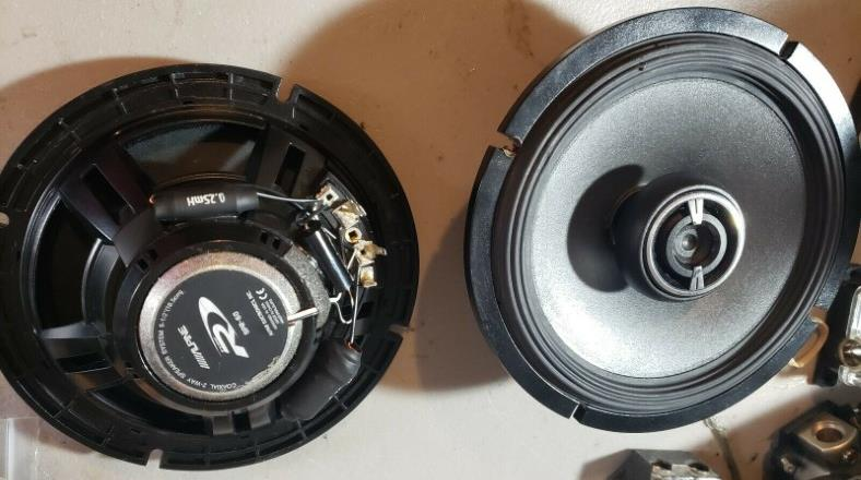 Image of coaxial 2 way car speaker example