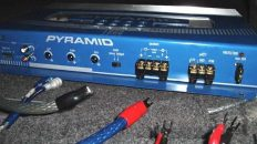 how to hook up a 4 channel amp to front and rear speakers Alpine V12 Amp how to bridge an amp \u2013 info, guide, and diagrams